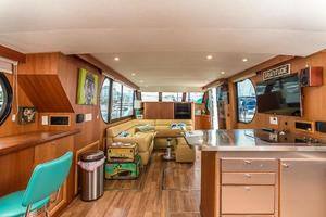 68' Bluewater Yachts 68 1998 Main Salon
