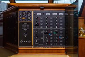 68' Bluewater Yachts 68 1998 Electrical Panel