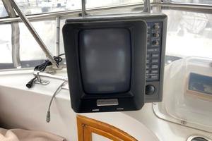 48' Spindrift 48 Aft Cabin My 1984 Radar