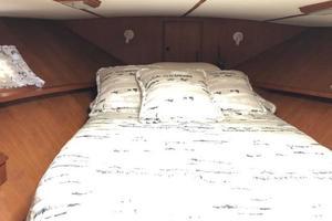 48' Spindrift 48 Aft Cabin My 1984 VIP Cabin