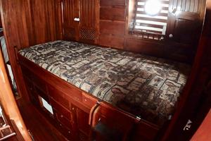 51' Formosa Ketch 1981 Starboard Guest-room