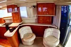 48' Sea Ray 480 Sedan Bridge 2000 SalonStarboardaft
