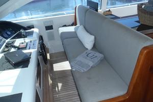 72' Mangusta 72 2006 Helm seating