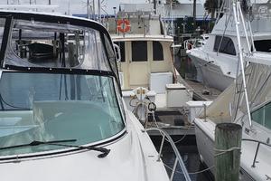 39' Cruisers Yachts 3970 Express Hardtop 2003 Port looking aft