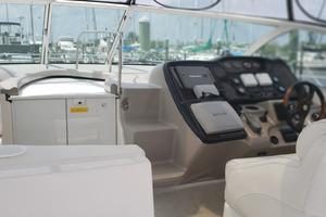 39' Cruisers Yachts 3970 Express Hardtop 2003 Cockpit
