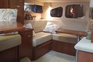 39' Cruisers Yachts 3970 Express Hardtop 2003 Salon looking aft
