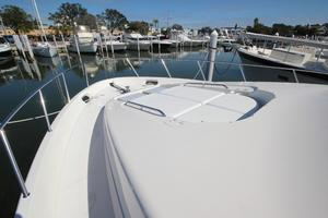 58' Meridian 580 Pilothouse 2003 Foredeck