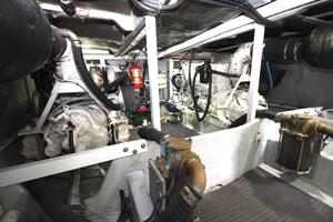 58' Meridian 580 Pilothouse 2003 Engine Room 1
