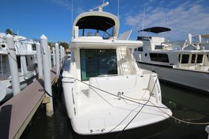 58' Meridian 580 Pilothouse 2003 Stern