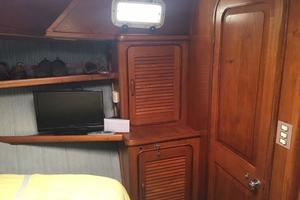 Gulfstar-Liveaboard-Motoryacht-1984-Galileo-Quincy-Massachusetts-United-States-Fwd-Lockers-Port-1015682