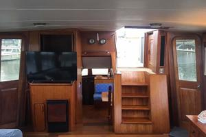 Gulfstar-Liveaboard-Motoryacht-1984-Galileo-Quincy-Massachusetts-United-States-Salon-Fwd-1015672