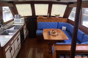Gulfstar-Liveaboard-Motoryacht-1984-Galileo-Quincy-Massachusetts-United-States-Galley-and-Dinette-1015674