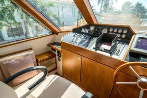 76' Palmer Johnson Sport Fisherman 1993 Helm