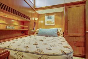 76' Palmer Johnson Sport Fisherman 1993 VIP Cabin
