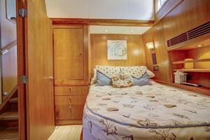 76' Palmer Johnson Sport Fisherman 1993 Master Cabin