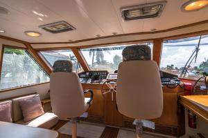 76' Palmer Johnson Sport Fisherman 1993 Helm Seats