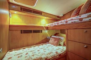 76' Palmer Johnson Sport Fisherman 1993 Guest Cabin 4