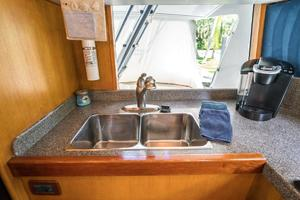 76' Palmer Johnson Sport Fisherman 1993 Double Sinks