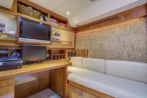 64' Hatteras 64 Motor Yacht 2006 Cabin #3 Covert. office