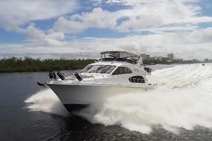 64' Hatteras 64 Motor Yacht 2006 Bow