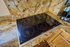 64' Hatteras 64 Motor Yacht 2006 Four Burner Ceramic Cooktop