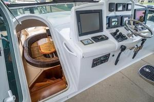 64' Hatteras 64 Motor Yacht 2006 Lower cabin access