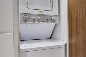 75' Hatteras M75 Panacera 2017 Guest Laundry