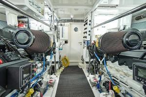 75' Hatteras M75 Panacera 2017 Engine Room