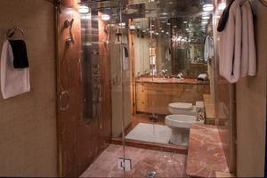 107' Broward  1997 Master Bath