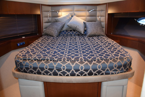 64' Princess Flybridge 2011 VIP queen stateroom