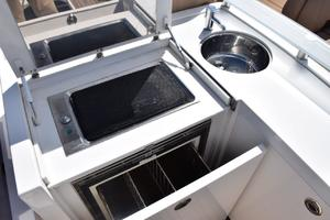 64' Princess Flybridge 2011 Flybridge serving console