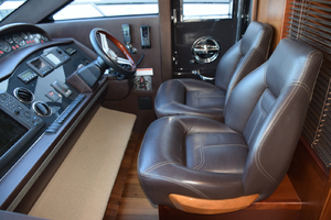 64' Princess Flybridge 2011 Helm chairs