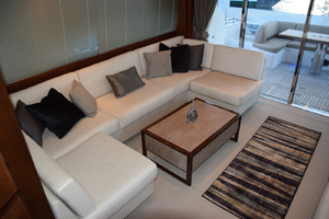 64' Princess Flybridge 2011 Salon settee