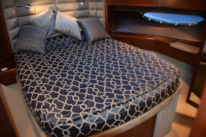 64' Princess Flybridge 2011 VIP Stateroom
