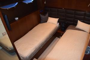 64' Princess Flybridge 2011 Starboard Guest Stateroom