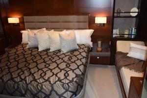 64' Princess Flybridge 2011 Master