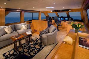 92' Horizon Skylounge Cockpit Motor Yacht 2003