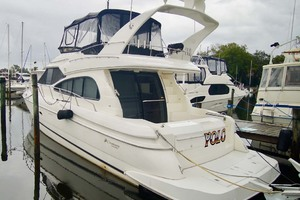 50' Cruisers Yachts 5000 Sport Sedan 1999 Port Aft Qtr