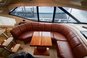 50' Cruisers Yachts 5000 Sport Sedan 1999 Dinette