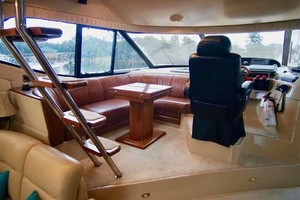 50' Cruisers Yachts 5000 Sport Sedan 1999 Lower Helm Area