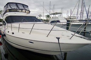 50' Cruisers Yachts 5000 Sport Sedan 1999 PortBow