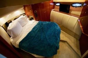 50' Cruisers Yachts 5000 Sport Sedan 1999 Master Stateroom
