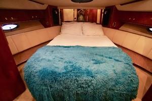 50' Cruisers Yachts 5000 Sport Sedan 1999 VIP Stateroom