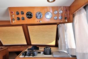 42' Ocean Alexander 423 Classico 2000