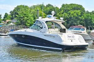 Sea-Ray-390-Sundancer-2004-Press-Luck-New-Rochelle-United-States-Starboard-Stern-1047568-thumb