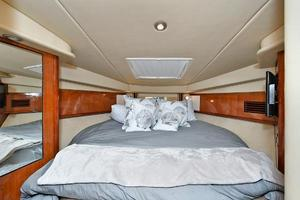 Sea-Ray-390-Sundancer-2004-Press-Luck-New-Rochelle-United-States-Forward-Berth-1047585-thumb