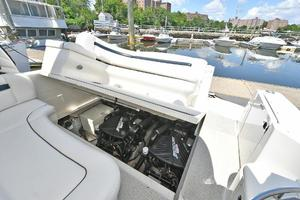 Sea-Ray-390-Sundancer-2004-Press-Luck-New-Rochelle-United-States-Engine-Compartment--1047588-thumb
