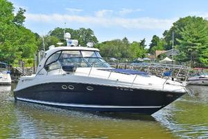 Sea-Ray-390-Sundancer-2004-Press-Luck-New-Rochelle-United-States-Starboard-Bow-1047565-thumb