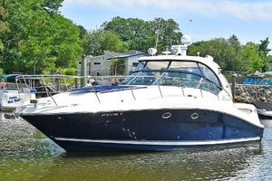 Sea-Ray-390-Sundancer-2004-Press-Luck-New-Rochelle-United-States-Port-Side-Bow-1047563-thumb