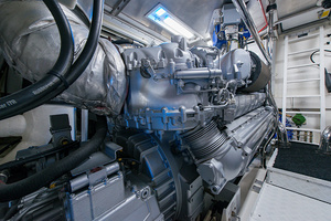 80' Mangusta  2007 Engine Room